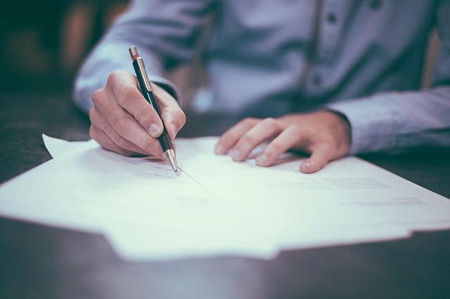 איך מוצאים מקורות לכתיבת עבודת סמינריון?