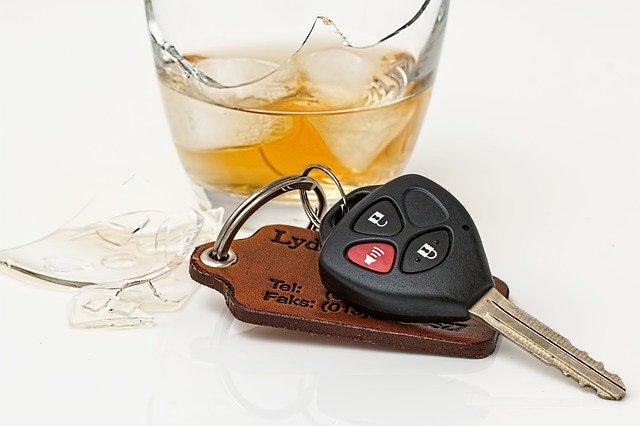כמה באמת מותר לשתות לפני נהיגה