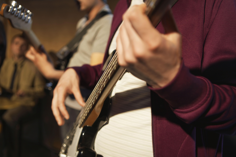 סקסופוניסט לאירועים – חווית ג'אז בלתי נשכחת